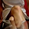 【脚/足フェチ】打ち合わせ中のモデルの脚を卓上から一眼レフカメラの動画機能で撮影[フルHD]